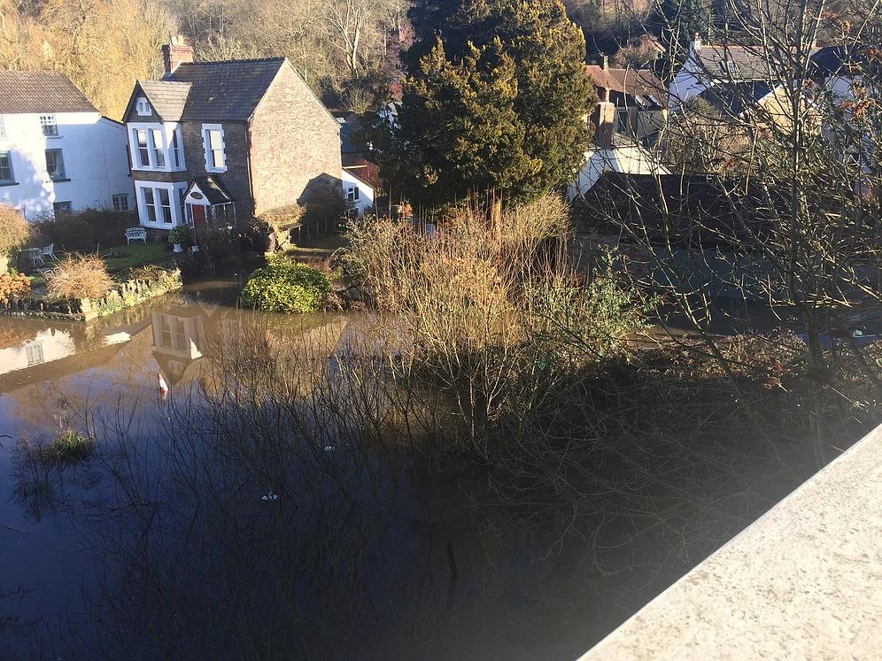 The river Wye at Brockweir rising water level