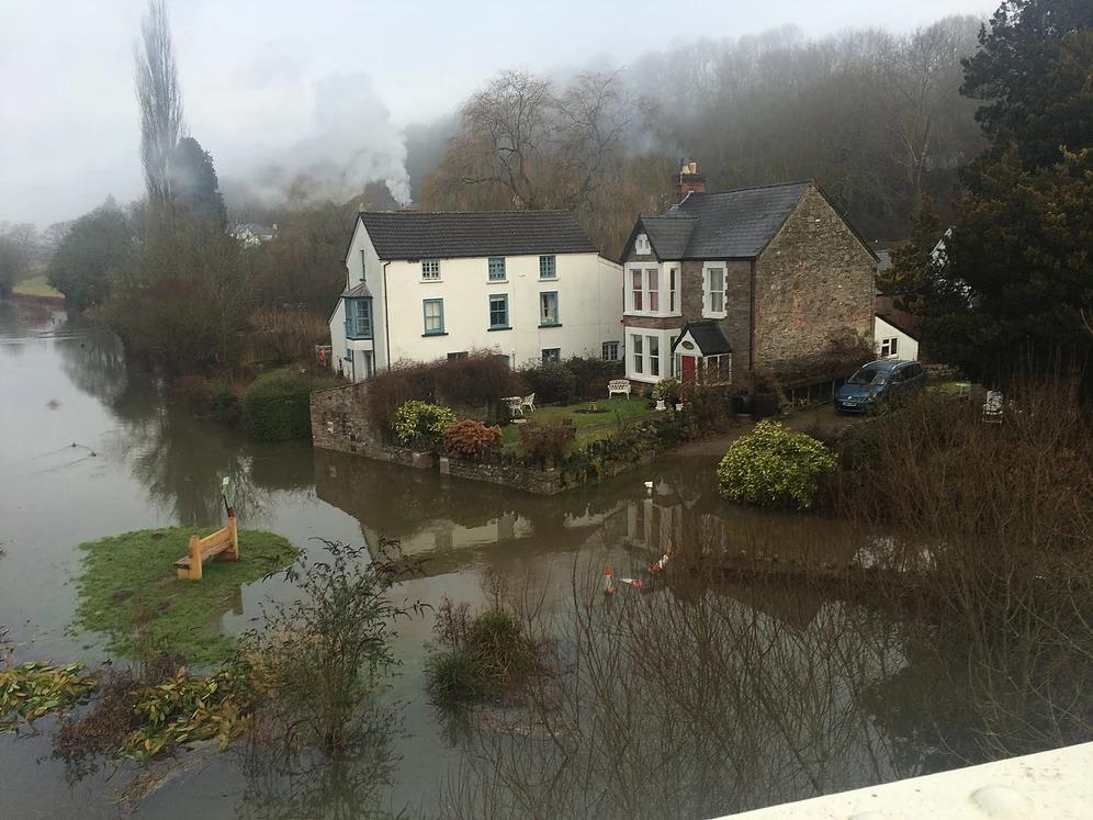 The river Wye at Brockweir rising water levels 2